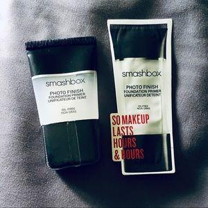 NWT Smashbox primer + free sample
